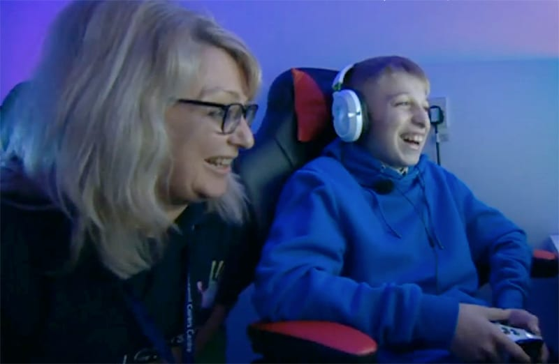 In the run up to BBC Children in Need Night, Young Carer, Harry talks to BBC Radio 2 about his role and support from Blackpool Carers ...take a listen! 10